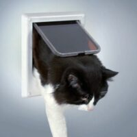 Электромагнитная врезная дверь для кошки/собаки Трикси TX-3869 (Trixie)